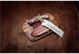 Geschenksbrettli Landrauchschinken Portion ca.220g Speck Portion 150g